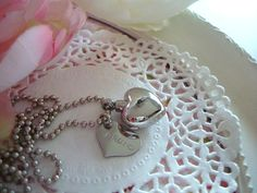 One of the hardest losses is of a pet, Wen @ Wonderfullmoments offers a large number pieces I unfortunately was in need of her services this week. Stainless Steel Cremation Urn Love Heart by Wonderfullmoments6, €15.00