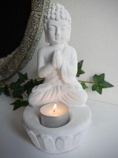 Vit buddha till ljus:BLICKFÅNG.se
