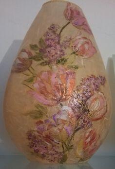 vaso in cristallo ricoperto in carta riso e lavorato in decoupage