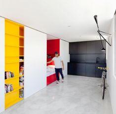 """Sydney ist wirklich eine teure Stadt, quasi unerschwinglich sind dort auch die Quadratmeter. Dank smarter Architekten wie Nicholas Gurney können Bewohner beliebter Bezirke trotz begrenztem Wohnraum smart wohnen; wie im """"Mighty Mouse Apartment"""""""