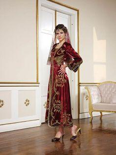 kına-için-bindallılar (9) Sari, Fashion, Saree, Moda, Fasion, Fashion Illustrations, Fashion Models, Sari Dress