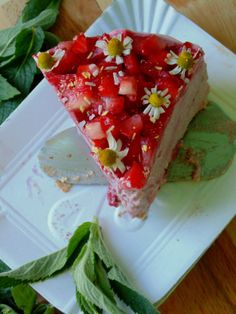 Cheesecake without cheese! And yes, strawberries :) Vegan Food, Vegan Recipes, Strawberry Cheesecake, Healthy Dishes, Avocado Toast, Strawberries, Sandwiches, Veggies, Breakfast