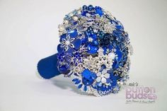 #Blue is such an #amazing #color in #broochbouquets! Even more so against the  #silver #sparkly #brooches! This #bouquet definitely #standsout! Do you agree?   #alternativebouquet #stunning #sparkles #alternative #wedding #bride #instaweddings #handmade #love #weddingparty #celebration  #bridesmaids #happiness #ceremony #romance #marriage #weddingday #broochbouquet #fashion #flowers #australia  www.nicsbuttonbuds.com.au www.facebook.com/nicsbuttonbuds www.pinterest.com/nicsbuttonbuds…