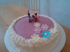 Simple lego-friends cake