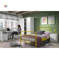Väčšie deti ju budú milovať. Žltá kovová posteľ je moderná, štýlová a ľahko sa udržiava. Miesto pre spánok je jedným z najdôležitejších a obzvlášť u detí je potrebné dbať na to, aby plnil svoju funkciu dokonale.  Súčasťou postele je rošt. Vhodná veľkosť matraca je 120 x 200 cm, je však potrebné dokúpiť presne taký, ktorý bude na mieru individuálnym potrebám. Structure Metal, New York, Bunk Beds, Toddler Bed, Loft, Furniture, Home Decor, Products, Adult Loft Bed
