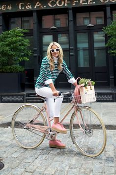 Glamour Tumblr | Biking into the weekend. Photo: Atlantic Pacific