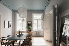 Sätt färg på väggarna och ge ditt hem en helt ny look - Metro Mode French Grey, All The Colors, Paint Colors, Oversized Mirror, Living Room, Furniture, Home Decor, Dining, Paint Colours