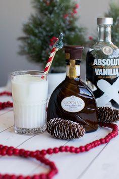 Winter Wonderland Cocktail - White Chocolate Cocktail - Christmas cocktail ideas - My Style Vita @mystylevita