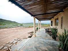 Aloe Cottage - Here you will experience the Boland Wine Farm atmosphere to the fullest.It's peaceful, beautiful and so many things to do.   This valley can be visited throughout the year as each season reveals a gloriously ... #weekendgetaways #mcgregor #southafrica