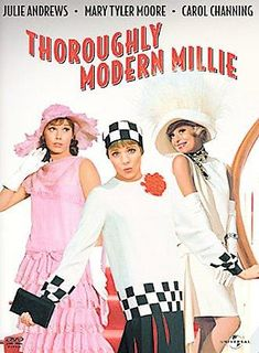 Thoroughly Modern Millie musical with Julie Andrews, Mary Tyler-Moore Lean-N-Thoroughly-Dated-Nostalgia Mary Tyler Moore, Julie Andrews, Andrews James, Robert Downey Jr, Old Movies, Great Movies, Vintage Movies, Vintage Tv, Hollywood