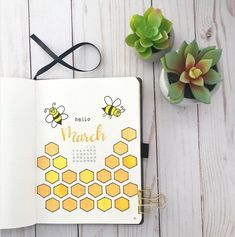 40 More Stunning bee and honey bullet journal spreads My Inner Creative Bullet Journal Disney, Bullet Journal Planner, April Bullet Journal, Bullet Journal Writing, Bullet Journal Aesthetic, Bullet Journal Ideas Pages, Bullet Journal Spread, Bullet Journal Inspo, Bullet Journal Layout