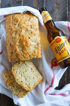 The Pioneer Woman Food & Friends Latest Post: Perfect Beer Bread Perfect Beer Bread : basic and gruyere and cheddar. Bake at 350 for The Pioneer Woman Food & Friends. The Pioneer Woman, Pioneer Woman Bread, Pioneer Women, Bread Machine Recipes, Easy Bread Recipes, Quick Bread, Cooking Recipes, Beer Bread Recipes, Spicy Recipes