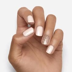 """""""Go Go"""" ahead and try our perfect shade of soft nude with a sparkle gold glitter. Get the best press on with Dashing Diva's Magic Press nails. Long lasting, chip-proof, fast to apply and easy to remove, you'll have your best manicure ever. White Gel Nails, Rose Gold Nails, Gold Gel Nails, Acrylic Nails, Nexgen Nails Colors, White Manicure, Hair And Nails, My Nails, Pretty Nails"""
