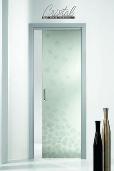 equilibrio e luce. la porta scorrevole interno muro gange di ... - Porte Vetro Decorate Scorrevoli