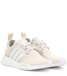 White Adidas NMD R1 Nike Schuhe Beige, Weiße Nike Schuhe, Adidas Schuhe  Nmd, Adidas ac30bd014b