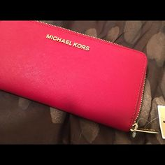 d6f80abfc70099 Michael Kors Wallet Color:red. Jet set travel continental leather. Michael  Kors Bags