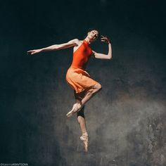 Elegant and light!  Stunning Alena Kovaleva, Vaganova Ballet Academy 2016 graduate and member of the Bolshoi's corps de ballet, photographed by Katerina Kravtsova.