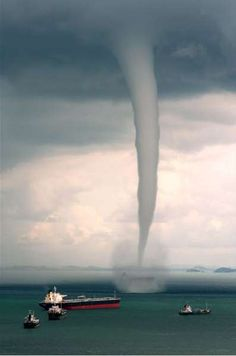 Waterspouts are more frequent, but are still an unusual weather phenomena. A water spout is a funnel shaped cloud formed over a body of water. Weather Storm, Wild Weather, Tornados, Fuerza Natural, Cool Pictures, Cool Photos, Wow Photo, Dame Nature, Nature Nature