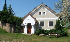 Salföld - tervező: Mérmű Építész Stúdió Traditional House, Cabins, Countryside, Shed, Farmhouse, Outdoor Structures, Homes, Explore, Architecture