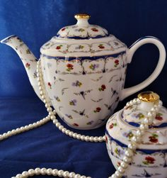 An extremely pretty 7 cup 'Grace' floral teapot with cobalt blue and gold detail. This would grace any afternoon tea! by Alexsprettyvintage on Etsy