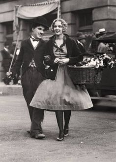 """Charlie and Virginia Cherrill in """" City Lights"""" - 1931"""