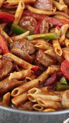 Skillet Italian Sausage & Peppers with Penne ~ DELICIOUS! comforting italian sausage and pepper penne pasta is cooked in one skillet and comes together in 30 minutes or less for a quick and easy weeknight meal. Pork Recipes, Cooking Recipes, Easy Cooking, Recipies, Budget Cooking, Oven Recipes, Vegetarian Cooking, Cooking Ham, Vegetarian Barbecue