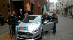 FLENSBURG: Ab 18 Uhr kann gebucht werden! Die ersten drei Kunden und die Partner des Flensburger Klimapakt, waren heute beim offiziellen Start dabei. www.cambio-CarSharing.de/flensburg