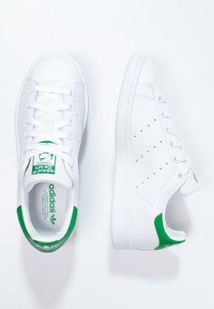 Tilaa ilman lähetyskuluja adidas Originals STAN SMITH - Matalavartiset tennarit - running white/green : 94,95 € (16.6.2016) Zalando.fi-verkkokaupasta.