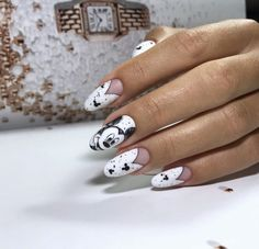 50 Simple Summer Acrylic Conffin Nails Designs Ideas In 2019 These trendy Nails ideas would gain you amazing compliments. Check out our gallery for more ideas these are trendy this year. Funky Nails, Trendy Nails, My Nails, Ongles Mickey Mouse, Nail Art Disney, Disney Acrylic Nails, Nail Art Blanc, Nail Art Dessin, Black And White Nail Designs