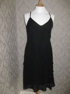 Everyone loves a little black dress... available to rent on our website. rentmydress.ie  #LBD #Dresshire #Dresshiredublin #Dresshireireland #Dresses #Black