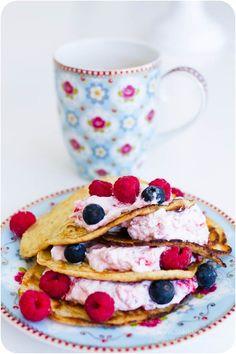 Raspberry pancakes made on almond flour