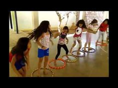 Ponte de Bamboles / Trupe Amajúh - YouTube Games 4 Kids, Building Games For Kids, Gym Games, Team Building Activities, Pe Activities, Indoor Activities For Kids, Physical Activities, Music Education Games, Physical Education Lessons