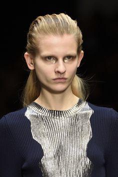 "wgsn: ""Foiled knits with make up to match at "" Knitwear Fashion, Knit Fashion, Runway Fashion, Metallic Yarn, Lesage, Guy Laroche, Crochet Lace, Sweaters For Women, Knitting"