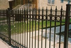 Make Privacy Barrier with Wrought Iron Fences - http://artoespacio.com/make-privacy-barrier-with-wrought-iron-fences/ : #WroughtIronFence Wrought iron fences provide a free and attractive view. When your view is other or plan to use that part of the garden with wrought iron fence for another purpose, you might want a little privacy. Obstruct fenced with plants is a process that takes time because they have to grow and have more...