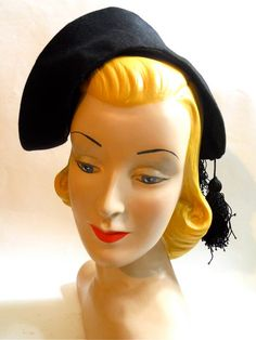 Smashing G. Howard Hodge 1940s wrap-over hat in black felted wool.
