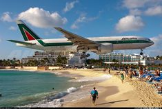 Alitalia Boeing 777-243/ER  Philipsburg / St. Maarten - Princess Juliana (SXM / TNCM) St. Maarten, March 2012