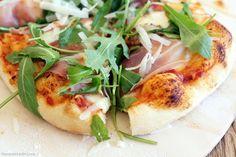 Pizza vom Grill mit Prosciutto und Rucola – Flavoured with Love