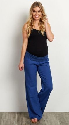 We give these trendy maternity pants five starts when it comes to comfort and style this year. A loose fitted linen pant gives you an effortless bohemian look that pairs beautifully with a basic maternity tank top. Wear these babies around the house for lounge wear or out to run errands for comfortable casual attire.