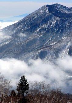Myoko Suginohara Ski-jo - Japan's longest continuous run: http://en.japantravel.com/view/myoko-suginohara-ski-jo-boasts-japan-s-longest-continuous-run
