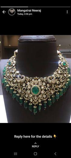 Indian Jewelry Earrings, Jewelry Design Earrings, Gold Jewellery Design, Diamond Jewelry, Gold Jewelry, Jewlery, Classic Bridal Jewellery, Bridal Jewelry Sets, Chocker