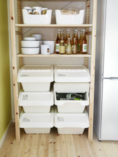Inspiration for your kitchen - IKEA Part of a wooden shelf for the open storage of recycling bins The decoration of our home is a lot like an exhibition spa. Interior Design Minimalist, Minimalist Decor, Minimalist Kitchen, Minimalist Living, Minimalist Bedroom, Modern Minimalist, Storage Bins, Kitchen Storage, Pantry Storage