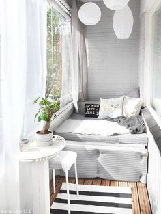Brilliant Closed Balcony Design Ideas To Enjoy In All Weather Conditions Whether you live in a condominium, apartment or house, you don't have to limit landscaping to the interior of your […] Interior Balcony, Balcony Furniture, Interior Design Living Room, Living Room Decor, Bedroom Decor, Cheap Furniture, Bedroom Balcony, Inexpensive Furniture, Furniture Websites