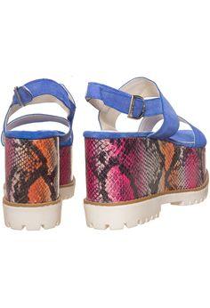 21cbf5a7 15 Best Zapatos - Summer images | Shoes sandals, Black, Blue Nails