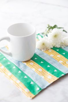 Free Mug Rug Pattern That's Simple to Sew - Crazy Little Projects Mug Rug Patterns, Sewing Patterns Free, Free Sewing, Free Pattern, Easy Sewing Projects, Sewing Hacks, Sewing Tutorials, Diy Projects, Sewing Crafts