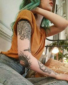 Amazing Rose Thigh Tattoos, Source amazing chest tattoos for men, source amazing compass tattoo ideas, source amazing skull ta. Dream Tattoos, Future Tattoos, Sexy Tattoos, Body Art Tattoos, Tattoos For Women, Piercings, Piercing Tattoo, Tattoo Girls, Girl Tattoos