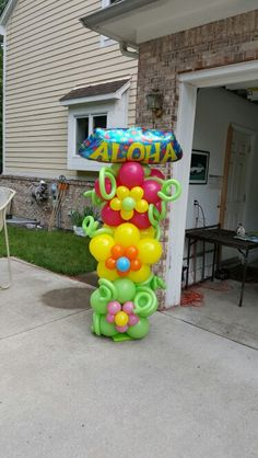 Luau Balloon Column by Bello Balloon Designs