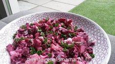 Rode bietjes zijn ontzettend gezond. En lekker. Vandaag deel ik mijn supersimpele bietensalade. Eet smakelijk!