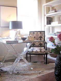 Lucite desk w/ classic chair. designer: elizabeth sullivan via: small shop Contemporary Desk, Decor, House Interior, Furniture, Home, Interior, Acrylic Furniture, Home Office Design, Home Decor
