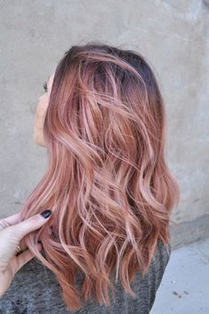 I probably wouldn't do the whole hair but I like the colour (Rose Gold Hair Balayage)