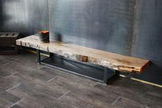 Création et Réalisation: MICHELI Design - Artisan d'Art  Son plateau coeur de chêne en fait une pièce unique.  Monté sur une structure métal cossue et pourtant tout en lé - 1614280